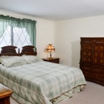Pinecrest Manor